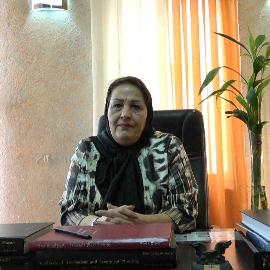 زهرا صادق زاده