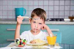 بهترین برخورد با کودک بد غذا با استفاده از مشاوره نوین 1